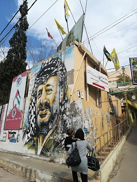 Entrada do campo de refugiados Mar Elias, em Beirute.