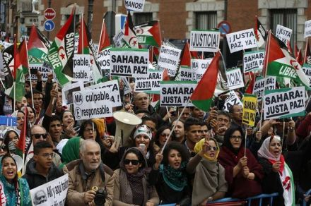 Centenares-personas-manifiestan-Madrid-Sahara_EDIIMA20171111_0245_19